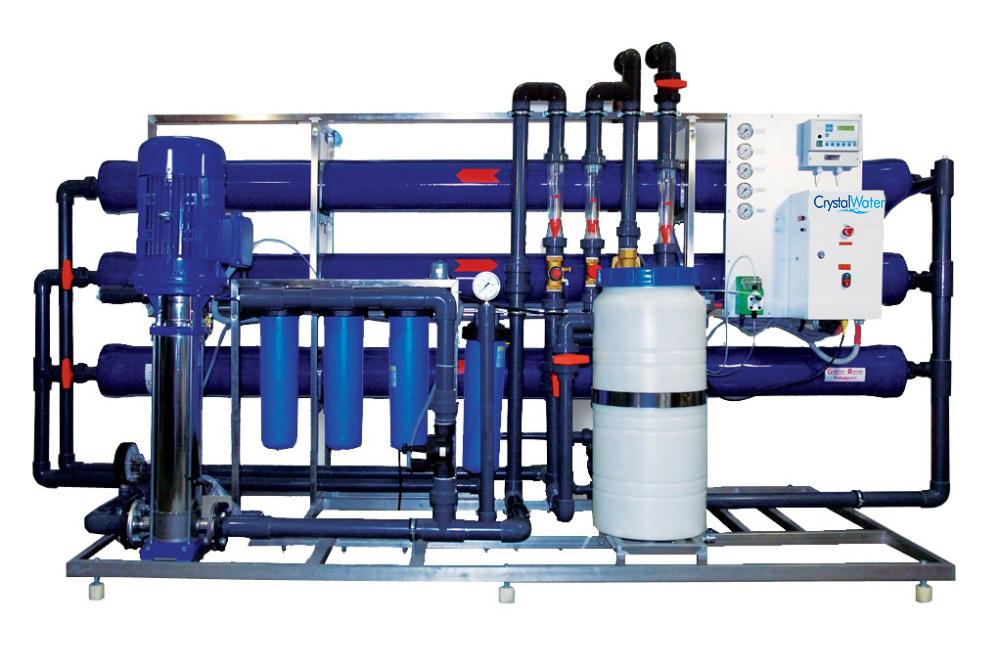 Priemyselná reverzná osmóza s výkonom do 9m³ demineralizovanej vody za hodinu.