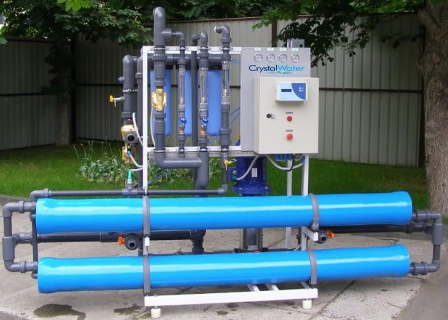 Priemyselná reverzná osmóza s výkonom do 4m³ demineralizovanej vody za hodinu.