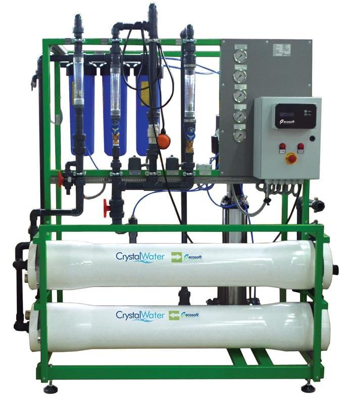 Priemyselná reverzná osmóza s výkonom do 2-3m³ demineralizovanej vody za hodinu.