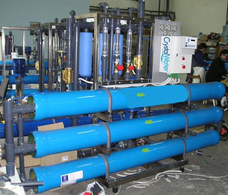 Priemyselná reverzná osmóza s výkonom do 6m³ demineralizovanej vody za hodinu.